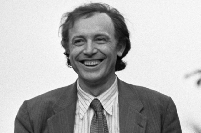 Ассистенты режиссера настаивали на Олеге Стриженове. Пробовался на роль и Иннокентий Смоктуновский (на фото), но он тогда жил в Ленинграде и покидать его на два года съемок был не согласен.