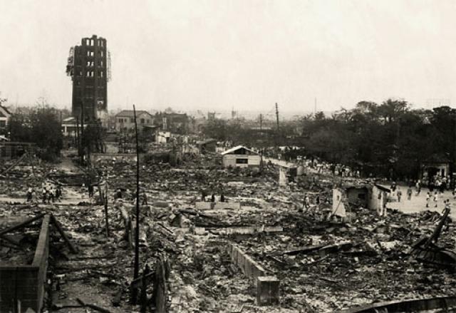 Великое землетрясение Канто. 1 сентября 1923 г. в 90 км к юго-западу от Токио произошло землетрясение, магнитуда которого составила 8,3 балла по шкале Рихтера. Всего за двое суток произошло 356 подземных толчков.