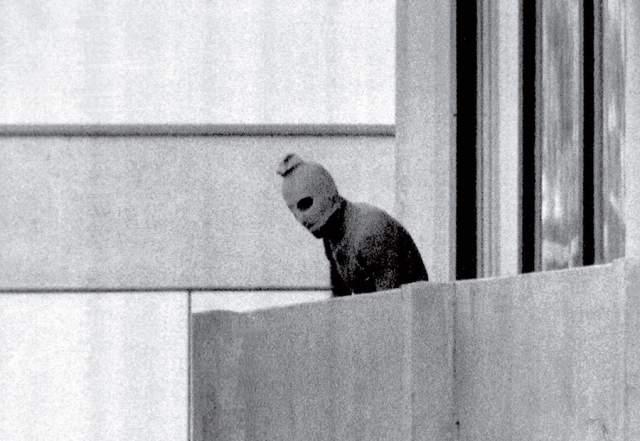 """Мюнхенская бойня, Курт Штумпф, 1972. В тот год в Мюнхене проходили Олимпийские игры, омраченные терактом. Члены """"Черного сентября"""" убили 11 членов израильской олимпийской сборной и полицейского."""