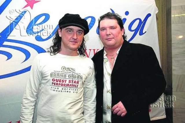 """В 1994 году песни """"Нэнси"""" звучали на всех радиостанциях России. В 1995 году вышел первый компакт-диск. """"Нэнси"""" исполняли такие хиты как """"Дым сигарет с ментолом"""" и """"Чистый лист"""". А потом коллектив неожиданно пропал их эфиров. Впрочем, как выяснилось, сама группа никуда не исчезла. Лидер группы Анатолий Бондаренко рассказал, что """"Нэнси"""" продолжают гастролировать, и даже записывают новые хиты. Сейчас Бондаренко счастлив в браке, его супруга Елена работает директором в группе. Сын Сергей, кстати, тоже пошел по стопам родителей и тоже играет в """"Нэнси""""."""
