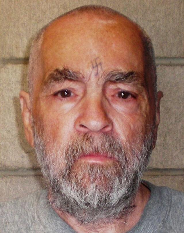 Чарльз Мэнсон содержится в тюрьме штата Калифорния, в городе Коркоран. До этого его много раз переводили из одной тюрьмы в другую. Он остается по 22 часа в одиночной камере, ему запрещено общаться с другими заключенными.