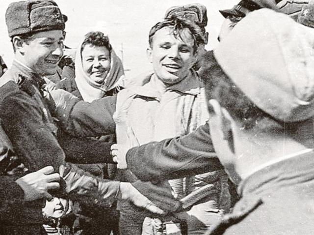 Юрий Гагарин, когда посетил один из концертов популярного ВИА, признался, что уже слышал похожую музыку , но не на Земле, а во время полета в космос.