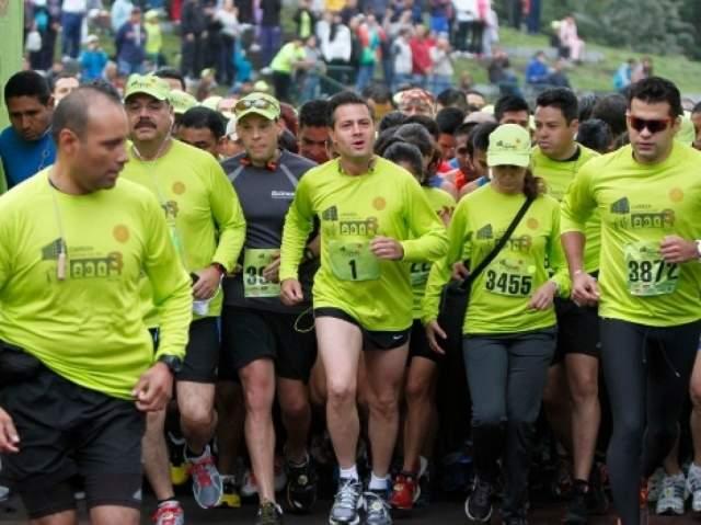 Президент и сам подает пример гражданам, регулярно принимая участие в забеге на 10 км, чтобы воодушевить всех мексиканцев, которые больше всех в мире страдают от ожирения.