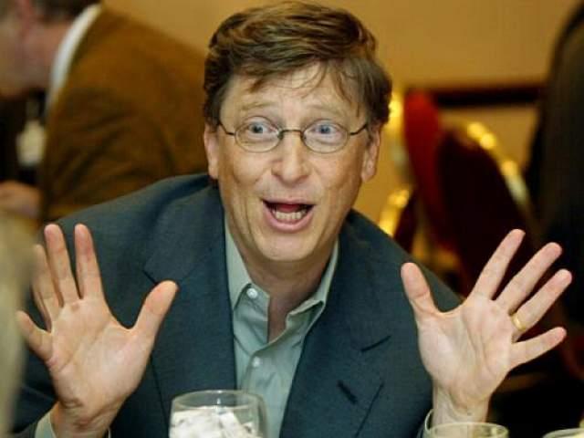 """Microsoft l: Католический Microsoft В 1994 году в Интернете появился """"пресс-релиз Microsoft"""", в котором утверждалось, что компания Microsoft приобрела Католическую церковь. В документе были приведены якобы принадлежавшие Билу Гейтсу слова: """"Объединенные ресурсы Microsoft и Католической церкви позволят нам сделать религию проще и веселее для более широкого круга людей"""". """"Пресс-релиз"""" получил настолько широкое распространение, что Гейтсу пришлось опубликовать опровержение. Инцидент вошел в историю, как первая крупномасштабная интернет-мистификация."""