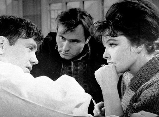 """На основе своих рассказов Шукшин вскоре написал сценарий своего первого полнометражного фильма """"Живет такой парень"""". Съемки картины начались летом того же года на Алтае."""