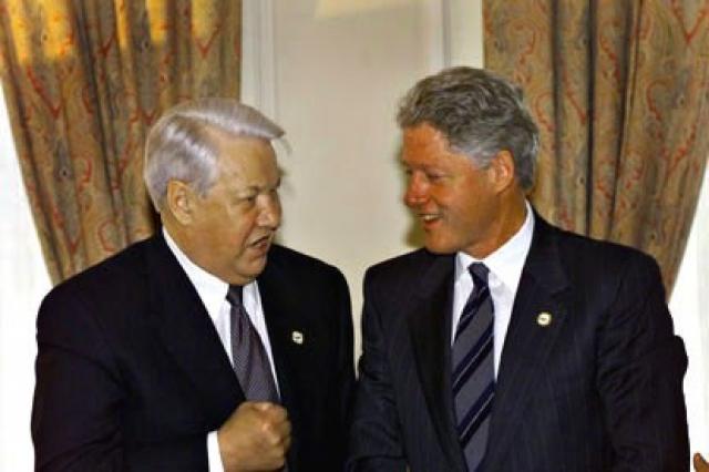 В декабре 1999 года обменялся с президентом США Биллом Клинтоном намеками на возможность начала ядерной войны между двумя странами. Эти угрозы транслировали некоторые телекомпании, в частности, WETA-TV.