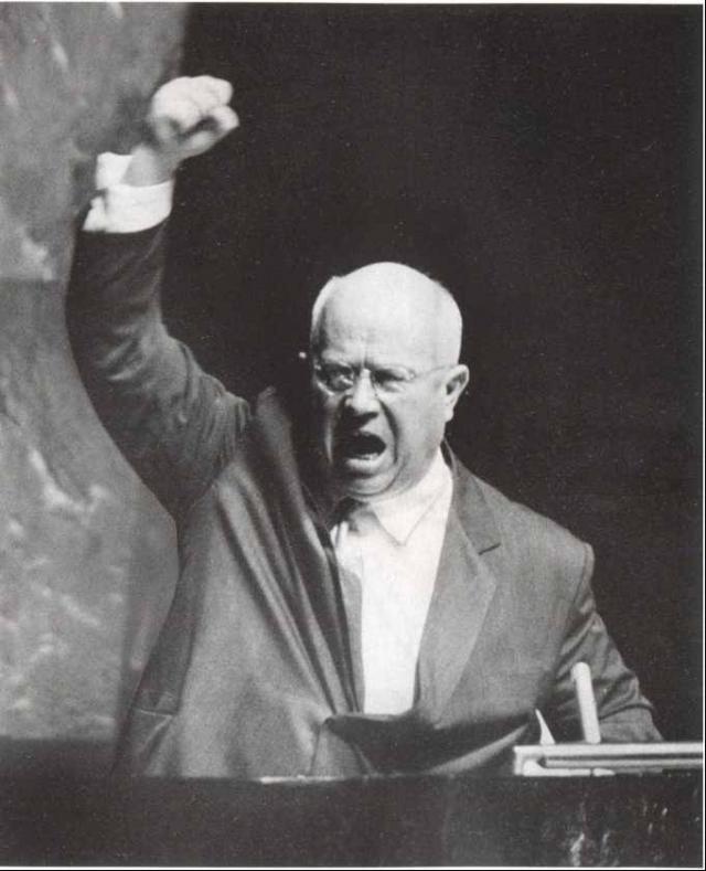 После этого легендарную фразу первый секретарь ЦК КПСС повторил на трибуне ассамблеи ООН. При этом и закрепил сказанное ударами ботинка. Представьте себе, в какое сложное положение были поставлены переводчики.