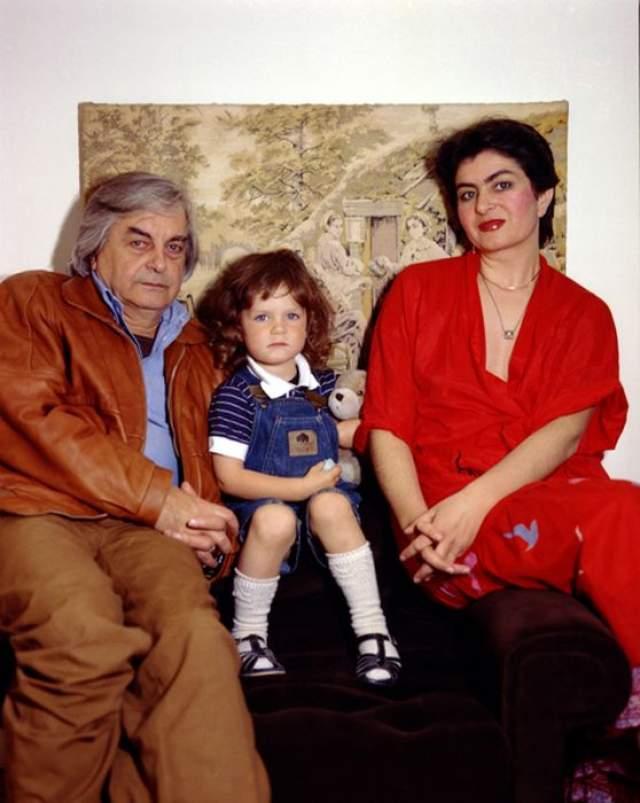 """Они познакомились в 1976 году, когда театр на Таганке приехал в Венгрию на гастроли, после чего Каталин приехала в Москву как собственный корреспондент венгерского журнала """"Фильм, театр и музыка""""."""
