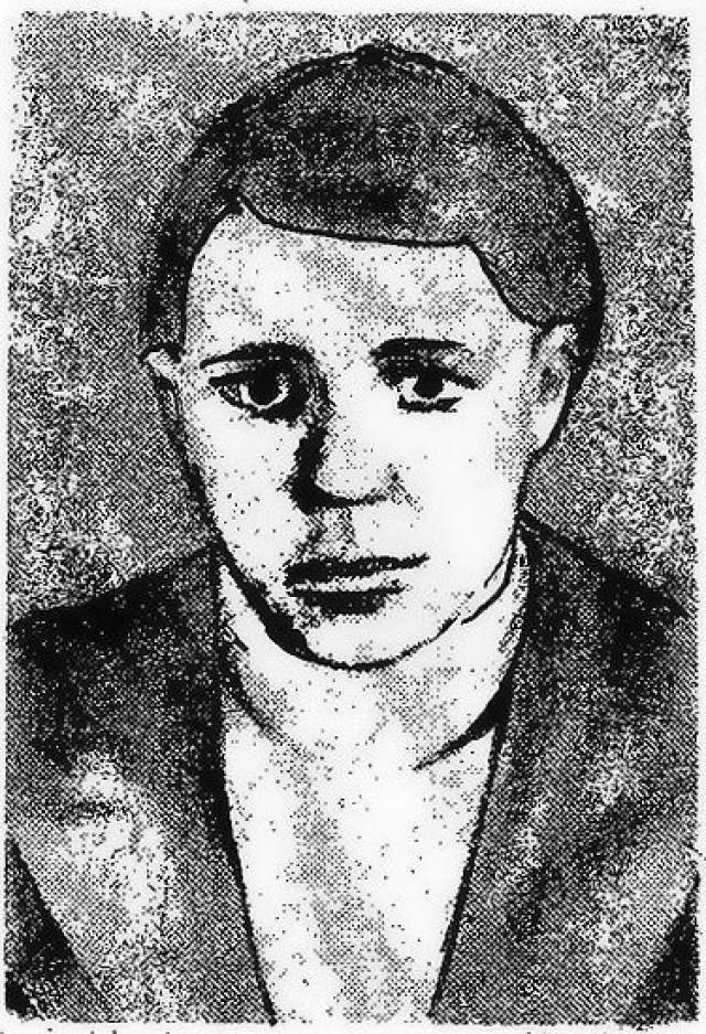 Действуя в тылу 6-й армии Паулюса, Саша 12 раз переходил линию фронта, добывал сведения о расположении войск в городе, взорвал немецкий штаб, метнув в его окно гранату.