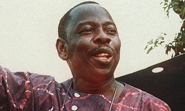 """Экологическая кампания активно велась в Нигерии при диктаторе Сани Абаче, что вызвало ненависть правительства. Как полагают """"зеленые"""", Абача действовал в сговоре с компанией Shell. Начались погромы."""