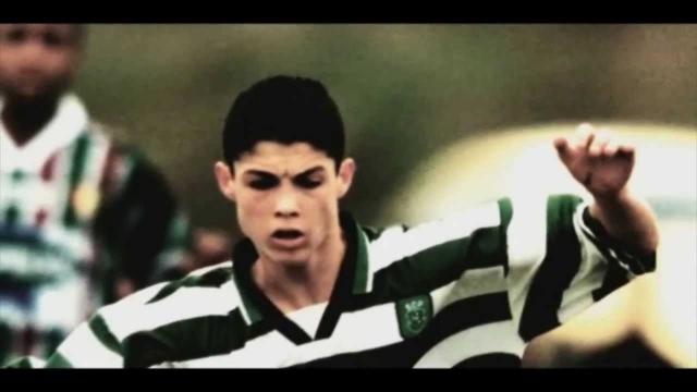"""Дебют. Когда Роналду в 17 лет ради сотрудничества с португальской командой """"Спортинг"""" пришлось перебраться на материк, ровесники смеялись над его провинциальным акцентом."""
