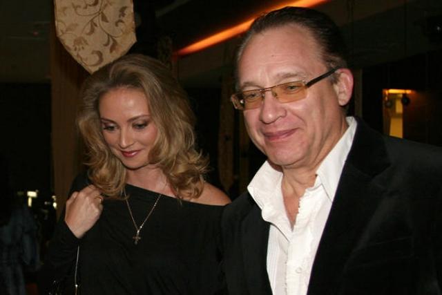 Максим Дунаевский. Последней официальной супругой композитора стала Марина Рождественская, которая младше него на 27 лет.