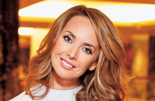 Жанна Фриске (40 лет). Российская певица скончалась 15 июня 2015 г. на 41-м году жизни. В 2014 году врачи диагностировали у нее опухоль головного мозга. В январе 2014 года семья и близкие сообщили, что опухоль – неоперабельная.