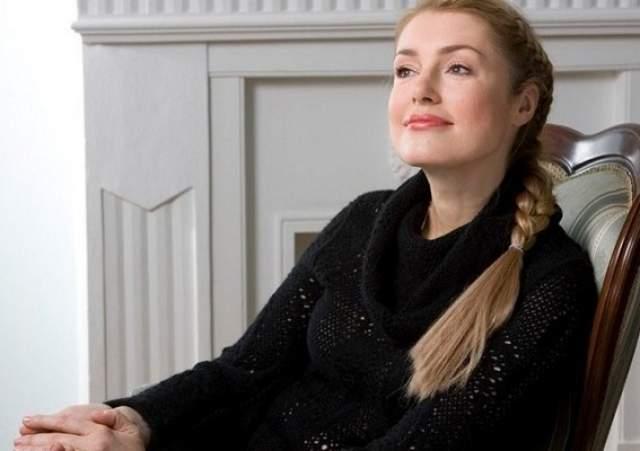 Мария открыто не конфликтовала с Ольгой, но поклонники заметили, что она будто забыла о ее существовании, не появляясь с ней в обществе и не говоря о ней в интервью.
