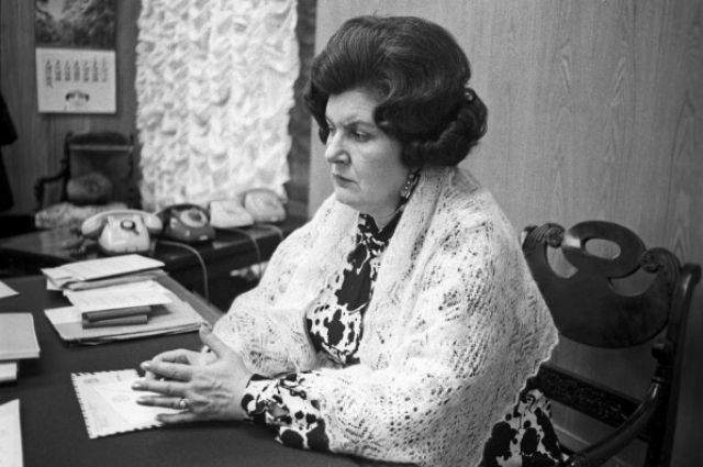 После встречи с Вангой Бехтерева уехала домой, будучи глубоко потрясенной тем, что ей было сказано. И все, по словам академика Бехтеревой, произошло на самом деле.