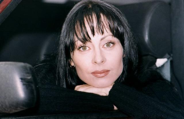Марина Хлебникова. После того, как карьера певицы пошла на спад, Хлебникова пыталась найти себя на актерском поприще.