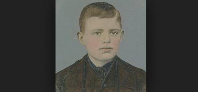 Так как кормить ребенка было не на что, мать Джека оставила его на воспитание своей рабыне, а сама бросилась на поиски мужа. Уже в возрасте 1 года у Джека появился отчим Джон Лондон, который окружил ребенка лаской и заботой.