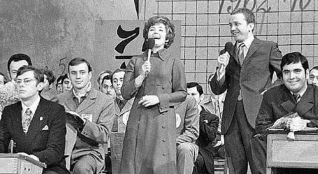 Национальный вопрос. КВН появился на советском ТВ в 1962 году. Однако на 10-м году своего существования передача была закрыта волевым решением руководства Гостелерадио.
