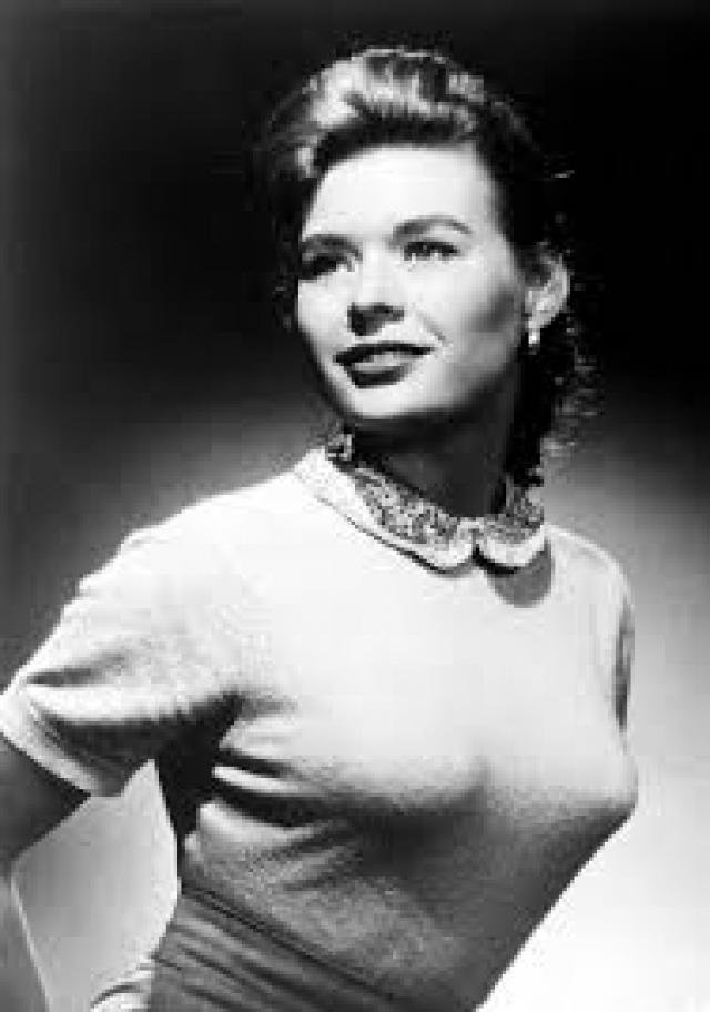 Кэролин Митчелл (1937-1966). Американская актриса и фотомодель. была убита 31 января 1966 года в возрасте 29 лет выстрелом в голову.
