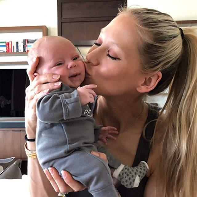 У пары в 2017 году появились дети. Сразу двое: Николас и Люси.