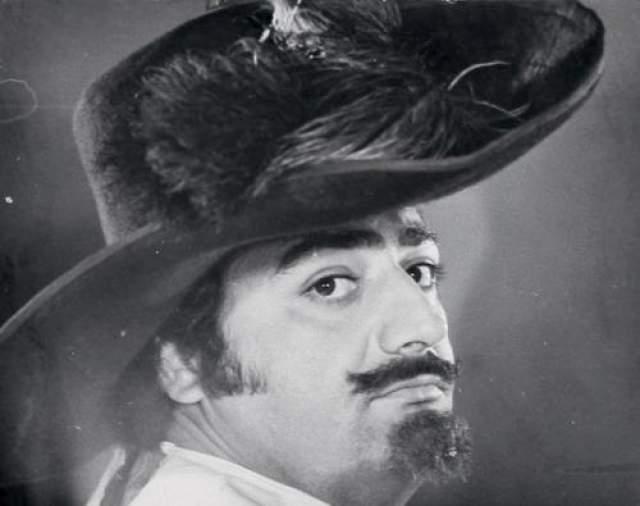 В фотопробах на роль Портоса участвовал Виссарион Хидешвили.