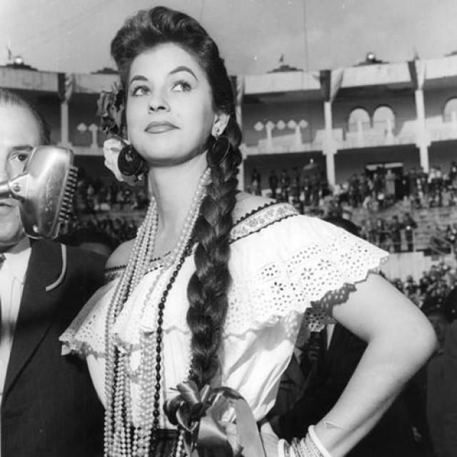 Лус Марина Сулуага, Колумбия. «Мисс Вселенная — 1958». 20 лет, рост 161 см.