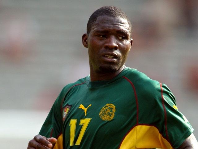"""Марк-Вивьен Фоэ (1975-2003). Футболист перешел в 1997 году из камерунской команды """"Канон Яоунде"""" во французский """"Ланс"""" ,гед сразу же стал одним из лидеров, благодаря чему им заинтересовался такой суперклуб, как """"Манчестер Юнайтед""""."""