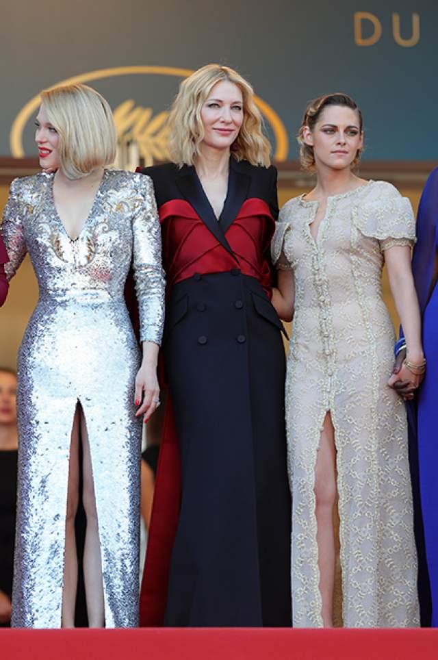 Удивительно, но критики во главе с Ксенией Собчак, комментировавшей церемонию закрытия в прямом эфире, присудили актрисе негласный титул самой стильной гостьи Лазурного берега.