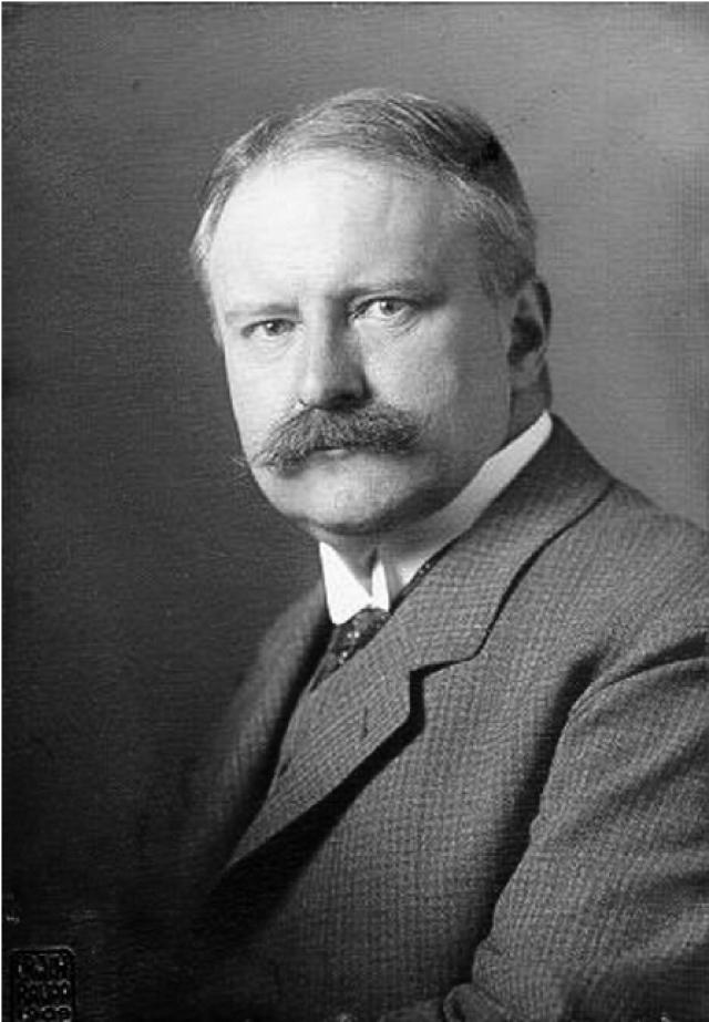 Август Бир. Немецким хирург первым в мире провел операцию с использованием спинальной анестезии, которая стала новой надеждой для пациентов, которые не переносили общий наркоз.