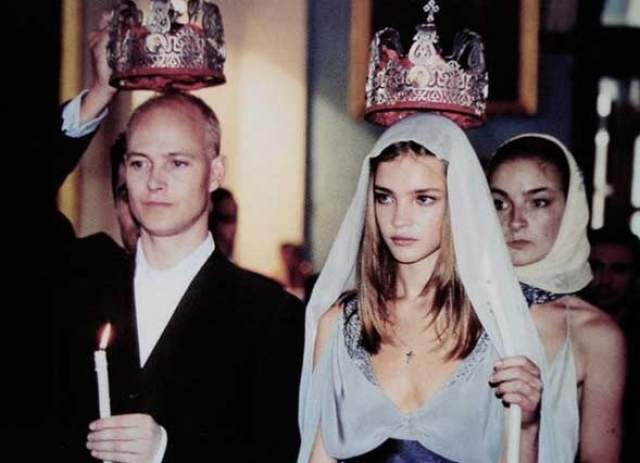 Наталья Водянова, 36 лет. В первый раз вышла замуж в 18 лет.