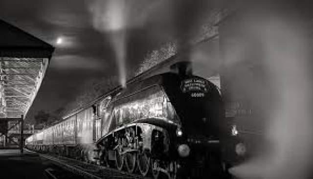 Историю об итальянском поезде-призраке популяризировал в 20 веке Николай Черкашин, капитан первого ранга в отставке, журналист и философ. В его рассказе, записанном со слов сотрудника железной дороги Петра Устименко, говорится, что в 1955 году в Крыму проезжал такой поезд.