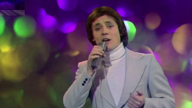 """В первой половине восьмидесятых годов Яак часто становился лауреатом телефестиваля """"Песня года"""". Кроме того, в определенный момент он стал часто сниматься в музыкальных картинах эстонского производства (""""Звезды олимпийской регаты"""", """"Двойники"""" и др)"""
