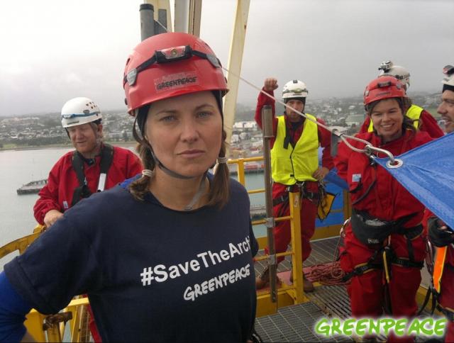 Пожалуй, самый яркий эпизод в жизни актрисы после завершения эпохи Зены можно назвать ее участие как активистки Greenpeace в захвате нефтедобывающего судна Новой Зеландии. Тогда суд приговорил Люси к общественным работам и штрафу в полмиллиона долларов.