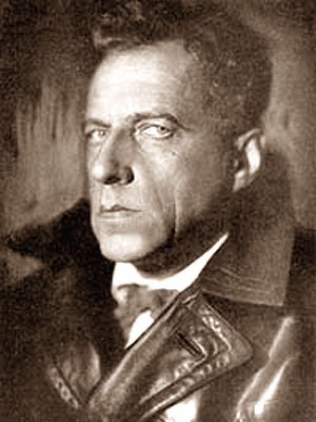 После трех недель допросов, сопровождавшихся пытками, Мейерхольд подписал нужные следствию показания, и коллегия приговорила режиссера к расстрелу. 2 февраля 1940 года приговор был приведен в исполнение. В 1955 году Верховный суд СССР посмертно реабилитировал Мейерхольда.