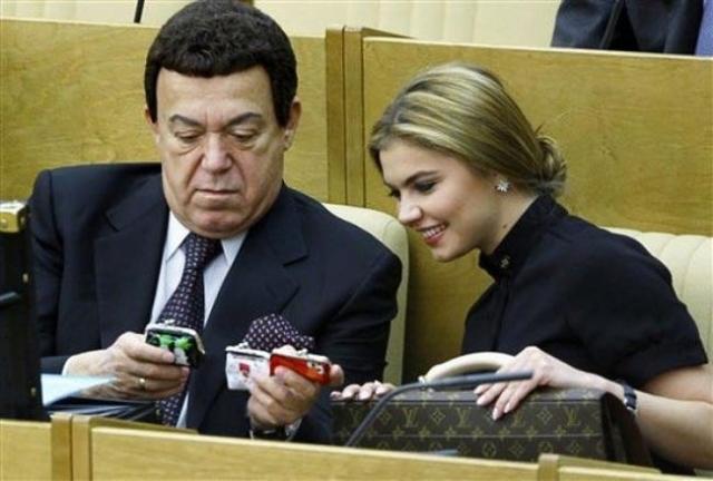 """Член Высшего совета партии """"Единая Россия"""", стала депутатом Государственной Думы РФ в 2007 году."""