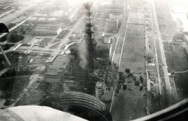 Впоследствии у 134 сотрудников ЧАЭС и членов спасательных команд, находившихся на станции во время взрыва, развилась лучевая болезнь, 28 из них умерли в течение следующих нескольких месяцев.