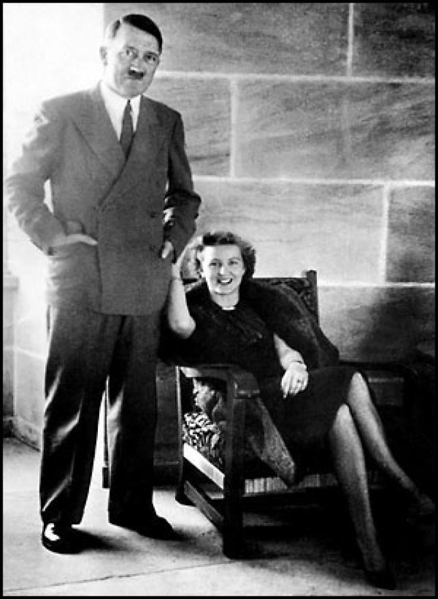 Ева Браун с 1936 по 1945 год проводила большую часть своего времени в Бергхофе - резиденции Адольфа Гитлера в Баварских Альпах.