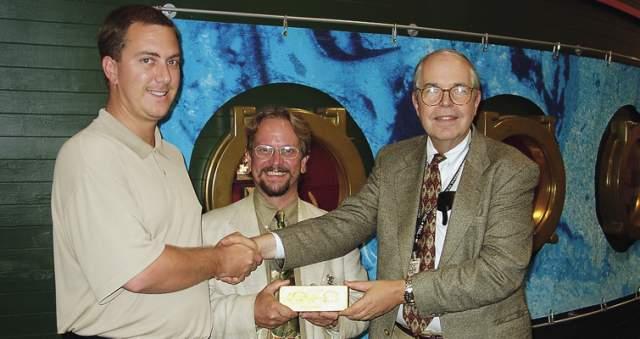 Стоимость обнаруженного составила $150 000 000, а слиток найденного золота весом 36 кг признали самым большим на земле. Вскоре он был продан за $8 000 000.
