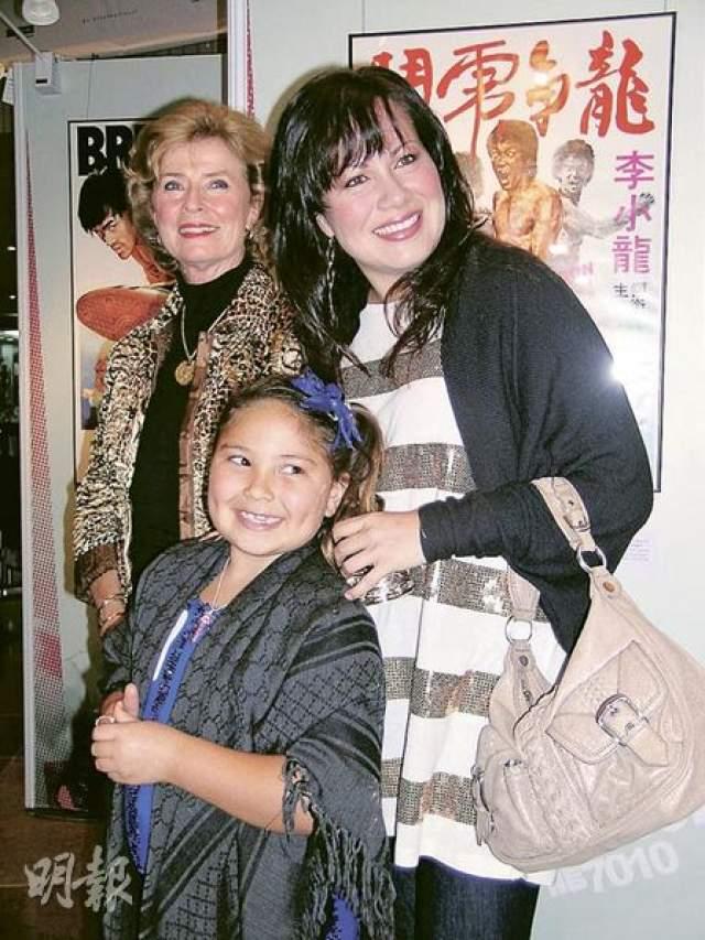 Шеннон является матерью единственной внучки Брюса Ли - Рэн.