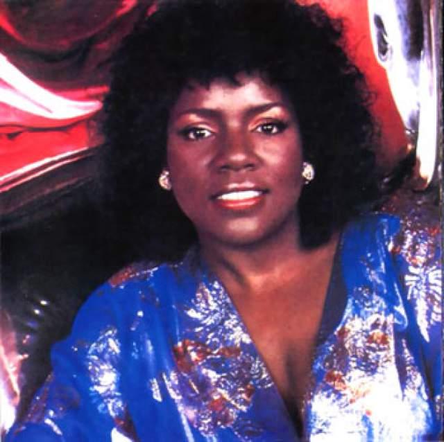 В середине 1990-х Гейнор решила возродить карьеру, начала ходить на ТВ, сниматься в различных сериалах и шоу. В 1997-м была опубликована её автобиография I Will Survive - в основном о религиозных убеждениях звезды и сожалениях о грешной жизни в эпоху диско.