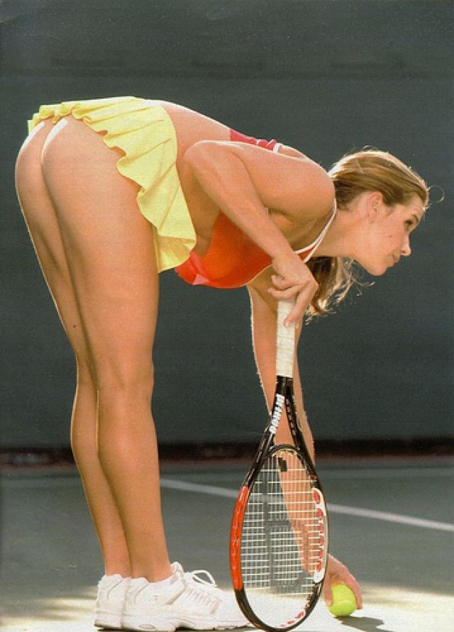 """Причем в качестве модели для съемок """"ню"""" она стала явно более популярной, нежели в спорте."""