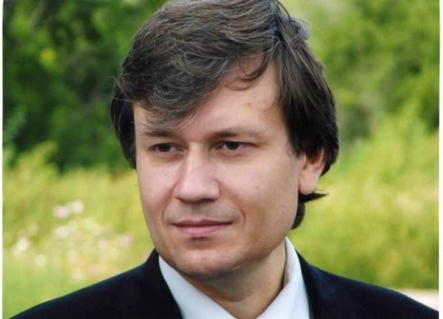 """Григорий Грабовой, 54 года. В 90-е он был весьма """"громким"""" колдуном с гибкой, так скажем, моралью. Например, он обещал воскресить погибших в Беслане школьников за 39 тыс. 500 рублей."""