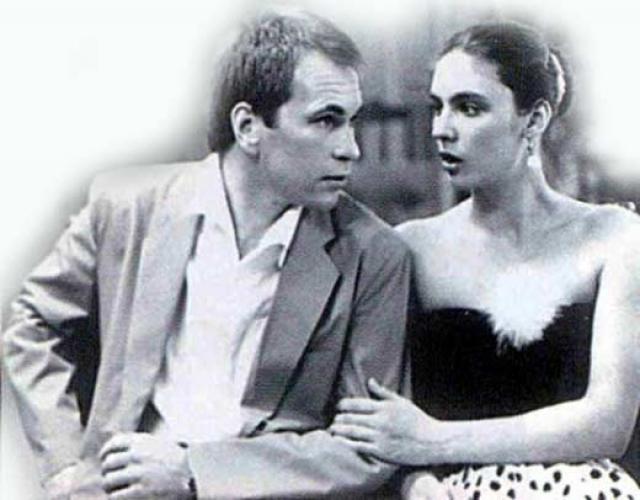 Алексей Гуськов. После окончания средней школы поступил в Московское высшее техническое училище имени Н. Э. Баумана (МВТУ им. Н. Э. Баумана). Проучился в этом училище почти пять лет, но в 1979 году ушел оттуда и поступил на актерский факультет Школы-студии МХАТ.