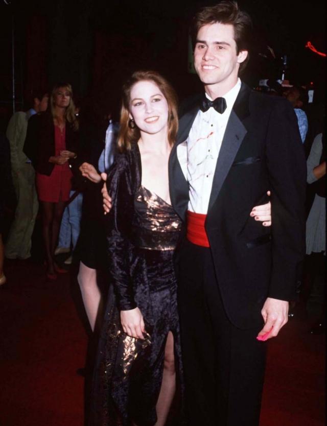Джим Керри. Актер также был женат на официантке. Керри и Мелисса Уомер стали супругами в 1987 году, на тот момент девушка уже была беременна.