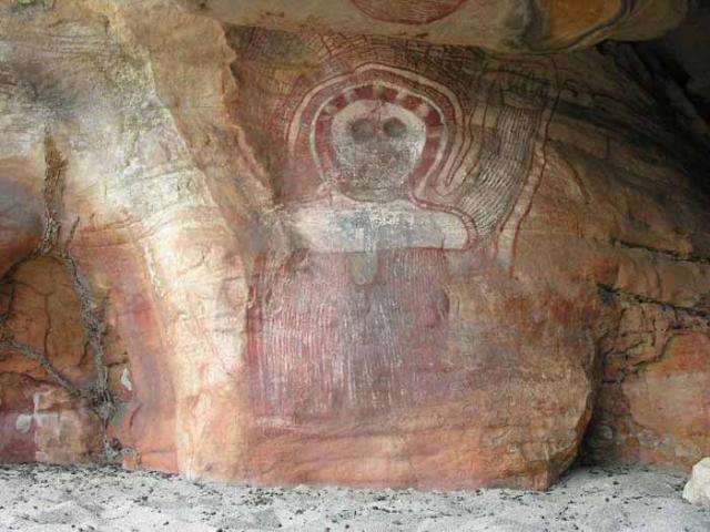 """Похожих """"богов"""" в пещерах было найдено более сотни."""