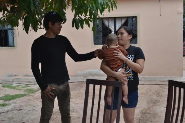 Вновь не тот глаз. В 2015 году Фернандо Джонатану Вальдесу , младенцу из Сьюдад-Обрегон, Сонора, Мексика, был поставлен диагноз: врожденный расширенный рак левого глаза.