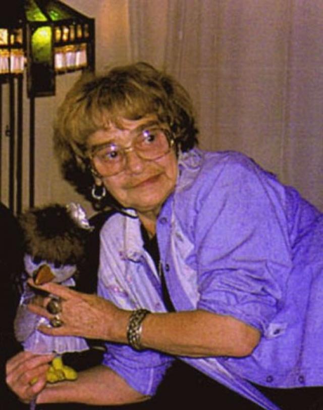 """Многие актрисы, пробовавшиеся на роль, так и не смогли вжиться в образ забавной вороны, пока в """"Спокойной ночи"""" не пришла Гертруда Суфимова. В 1998-м, на 72-м году жизни, актриса умерла, за ворону сстала говорить Галина Марченко."""