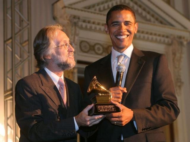 """В 2006 году Барак выиграл Грэмми в номинации """"Лучший альбом разговорного жанра"""" за аудиоверсию своей книги."""