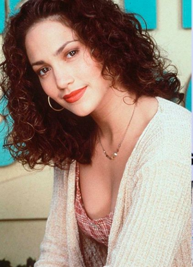 Дженнифер Лопес. В молодости актриса и певица не казалась такой уж обольстительницей.