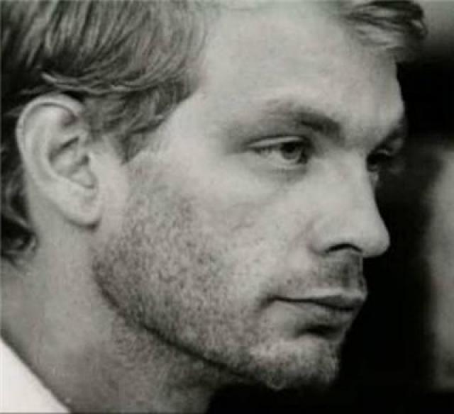 Преступления Дамера были очень жестоки: трупы жертв он насиловал и употреблял в пищу. Маньяк получил пятнадцать пожизненных сроков. В 1994 году его убил сокамерник.